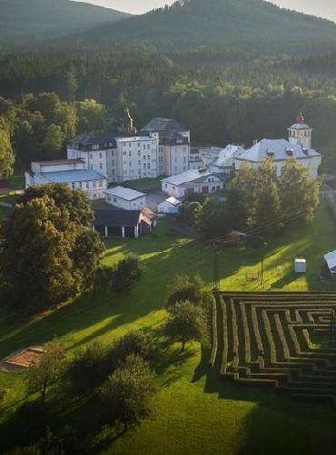 Sanatorium Edel wzlatych Horach - widok zlotu ptaka